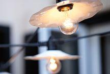 Lampen / Licht kann bei der Raumgestaltung eine große Rolle spielen und bestimmte Elemente in Szene setzen. Auf diesem Board möchten wir tolle Ideen mit Licht und Lampen sammeln.