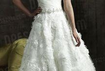 Hochzeitskleider / Inspirationen für Ihr persönliches Traumhochzeitskleid