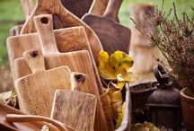 f a v o r i t e  t h i n g s / candles wood boards natural craft