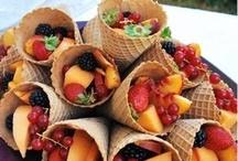 Ijshoorntje met fruit