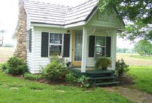 Tiny Homes / by Debra Taylor