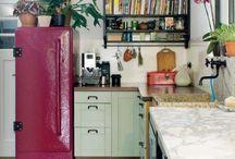 Kitchens XO / by Maria Matthews