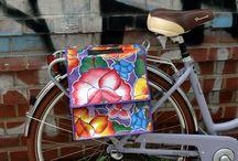 Ikuri Taschen aus Wachstuch - colorful oilcloth bags / Schön auffällig! Wir fertigen knallbunte Fahrradtaschen im Retrolook für den Gepäckträger. Superpraktisch und gleichzeitig ein stylisches Accessoire.  www.ikuri-taschen.de  #vintage bike #wachstuch #oilcloth #fahrrad #fahrradtasche #ikuri #bicycle #bikepanniers #bikebag #