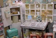Flea Market Vintage Booth Decor / by Pink Scout