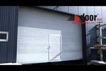 Usi industriale sectionale doorTECK® / Usile industriale sectionale doorTECK® reprezinta solutia optima si cea mai des adoptata in mediul industrial, pentru accesul in cladirile de mari dimensiuni.  Usile  industriale sectionale doorTECK® sunt in conformitate cu standardele europene de calitate si siguranta in exploatare. Confortul, durabilitatea si siguranta unei usi industriale sectionale doorTECK® fac din aceasta produsul ideal pentru sediul dumneavoastra.