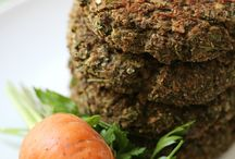 Veggie Burgers, Loafs, Fritters, Falafel, Rissoles & Cutlets / Recipes and ideas for homemade vegan or vegetarian burgers, fritters, falafel, rissoles, cutlets and savoury cakes. Also includes nut roasts and other savoury loaves which form the main event of a meal. #burgers #vegetarian #vegan #recipes #veggieburger #rissoles #cutlets #fritters #mainmeals #homemade