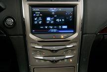 Autos y tecnología.  / by Paréntesis.com