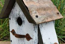 Birdhouse feeders