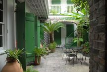 Decor: Courtyards and Outdoor Living