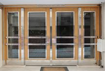 Bina giriş kapısı / Günümüz teknoloji gelişmelerinden oldukça etkilenen kapı üretim firmaları dış Kapıya yağmur ve kar gibi olumsuz hava koşullarından etkilenmemesi ve müşteri şikayet azaltmak ve sorunsuz bina giriş Kapıları, Üretmek için teknolojik gelişmelerin takibi oldukları aşikâr oldukları biliniyor.