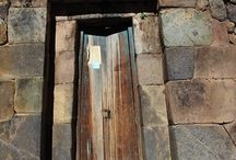 Doors Cusco Inca and colonial Peru / Doors designed and built in the time Inca and Spanish