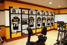 Pittsburgh Steelers Football Locker Room Mural / Pittsburgh Steelers 1970's Locker Room Mural by Tom Taylor of Wow Effects, hand-painted in a home gym in Virginia.