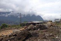 Paysages & terroirs de Ilet à Cordes à Cilaos / Découverte de Ilet à Cordes à #Cilaos de #lareunion. - Et j'en parle souvent sur mon blog www.yumhbox.com/blog ...