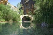 Sierra de Guara (Pyrénées) / #Randonnées et #canyoning en Sierra de #Guara. Toutes nos randonnées en Aragon sont sur http://www.labalaguere.com/randonnee-aragon-sierra-de-guara.html