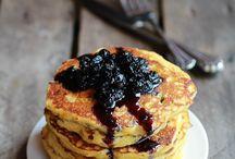 Num- desayuno / breakfast! / by V Fig