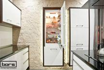Aranżacja kuchni Totalna Symetria / #kitchen #home #dream #style #dom #kuchnia #inspiration #inspiracja #projekt #elegancja #wnętrza #styl #pomysły #ideas #küche #furniture #meble #kitchenfurniture #modernity #colour #kolorowo #inspiracje #inspirations #design #architecture #architektura #aranżacja #kitchenstyle #kitchendesign #kitchendecor #poland #polen #polska