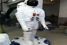 Sculptures Astronauts