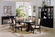 Tips Menata Ruang Makan / Ruang makan merupakan tempat khusus untuk keluarga berkumpul untuk makan bersama. Dengan kesibukan masing-masing anggota keluarga, ruang makan menjadi tempat favorit setelah ruang keluarga. Karakter ruang makan lebih personal, sebab di tempat inilah keluarga berkumpul, bercengkerama, dan saling bercerita sambil menikmati hidangan. Baca selengkapnya http://blog.propertykita.com/interior/tips-menata-ruang-makan/