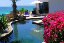 """Angoli di paradiso... / Le piscine più belle, nei posti più belli... alcuni esempi su come una piscina può diventare vero e proprio """"oggetto"""" d'arredamento esterno ed interno"""