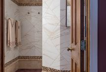 Master Bath Design|Naperville / Exquisite use of marble in this remodeled master bathroom in Naperville, Illinois.
