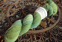 Pflanzengefärbte Wolle / Wolle mit Pflanzen von Hand gefärbt