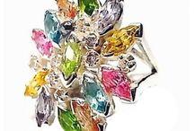 Anillos con piedras de colores