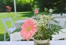 Masón Jars with flowers