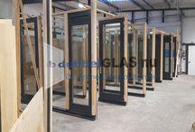 Glas plaatsen werkplaats / Een kijkje in ons magazijn