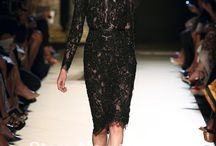 SO LACE DRESS