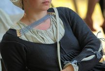 15th century women's  outfit