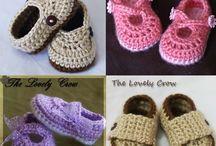 Horgolt baba ruhák,sapkák,cipők