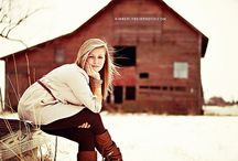 Winter Photo Shoot Ideas / Creating beautiful photos amidst a monotone background / by Laura C. Photography