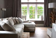 Interieur / Robuust, veel hout, grote meubels en natuurlijke kleuren en materialen