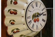 DECOUPAGE CLOCK WALL