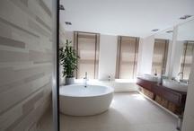 House: Ensuite/Bathroom / by Michelle .
