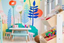 цветы на стене,нарисованные