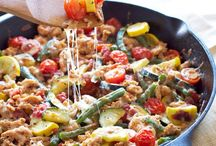{HEALTHY DINNER RECIPES} / The best healthy dinner recipes on the web: side dishes, main course, one pot meals, casseroles, slow cooker recipes, make ahead recipes and more!