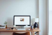 Workspaces / Een goede werkomgeving is essentieel om creatief en productief te blijven. Op dit bord pin ik foto's van kantoren, bureau's maar bijvoorbeeld ook van accessoires die gebruikt kunnen worden in een goede werkomgeving.