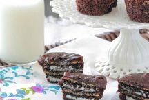 Desserts / by Nicole Juchem