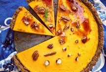 Zdravé pečení / Zdravé dezerty mohou být dobré a zábavné Vytvořila jsem tyto chuťově vynikající, ale přesto zdravé dezerty, ze kterých nemusíš mít výčitky. Když chceš zhubnout, je velmi náročné úplně odbourat to nejhorší z tvého jídelníčku – sladké, zejména pro milovníky všemožných sladkostí a čokolády. Udělej si radost a ochutnej tyto zdravé dezerty a už nebuděš mít potřebu vracet se ke tvým zlozvykům v podobě nezdravého stravování.