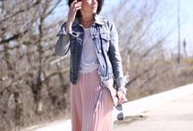Pleated  Maxi Skirt / #fashion #Style #StreetStyle #FashionBlog #MaxiSkirt http://gabbynnia.com