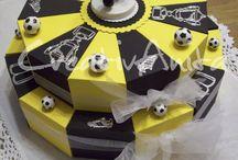 Geschenke zum Geburtstag oder weitere Feste / Individuell gestaltete Geldgeschenkverpackungen nach Wunsch. Ob Schachteltorten, tolle Taschen - schauen Sie vorbei! #geldgeschenkverpackung #birthday #geburtstag #creativanita #schachteltorte #torte #tasche #vintage