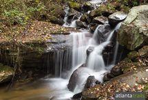 North Georgia Waterfalls: Our Top 10 Favorite Hikes / Hike to North Georgia waterfalls on our favorite trails to beautiful cascading falls. See the full list at http://www.atlantatrails.com/north-georgia-waterfalls/