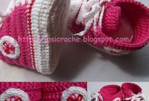 Baby shoes / by Robin Moody