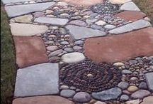 Сад с мозаикой