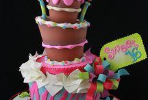 cakes! / by Daniela Zapata