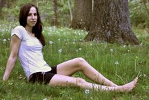 Outstretched Legs / Womens with outstretched legs