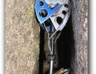 Material para montaña.  / fotos de los cacharros más curiosos utilizado para nuestro día a dia. Cuerdas, aseguradores, inventos...todo vale