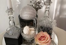 Maryna Katsarova BLUMENDEKORATION im MODERNEM STIL / Ihren BRAUTSTRAUß und Ihre HOCHZEIT BLUMENDEKORATION kreieren wir für Sie gerne in Form, Farben und Stil, ganz nach Ihren individuellen Wünschen und Vorstellungen, um Sie perfekt auf den schönsten Tag in Ihrem Leben vorzubereiten und diesen zu verwirklichen. Ihre Maryna Katsarova - Weddingplanerin mit Herz Dipl. Grafik-Designerin (FH), Kunstmalerin, Fotografin, Dekorateurin und Hochzeitsfloristin