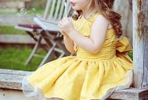 Pretty little girls / Girls